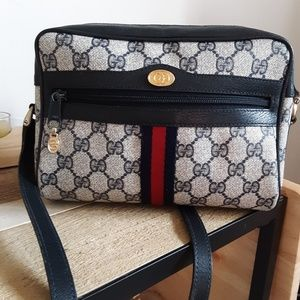 c2f295720 Women Vintage Gucci Crossbody Bag on Poshmark